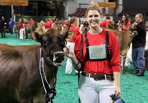 milking-yearling-junior-show-winner